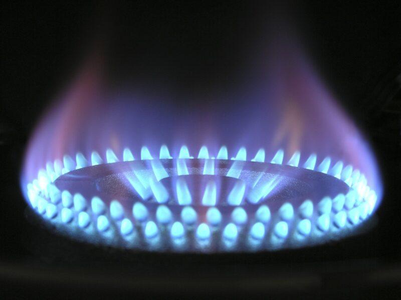 給湯器の温度設定次第でガス代は安くなる!?料金を下げるコツ