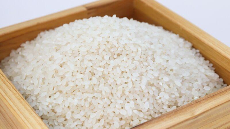 米をもらったら黒い点が⁉この粒も食べられるの?