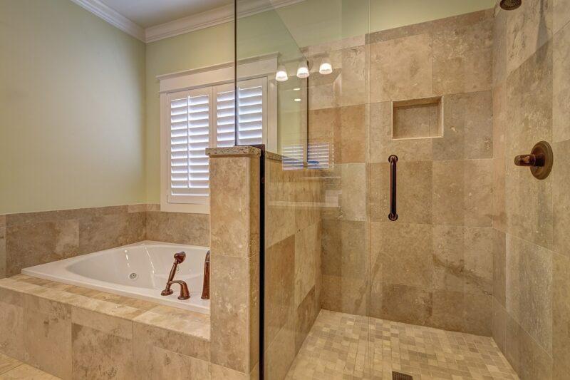 シャワーが先?お風呂の正しい順番って?【入り方】