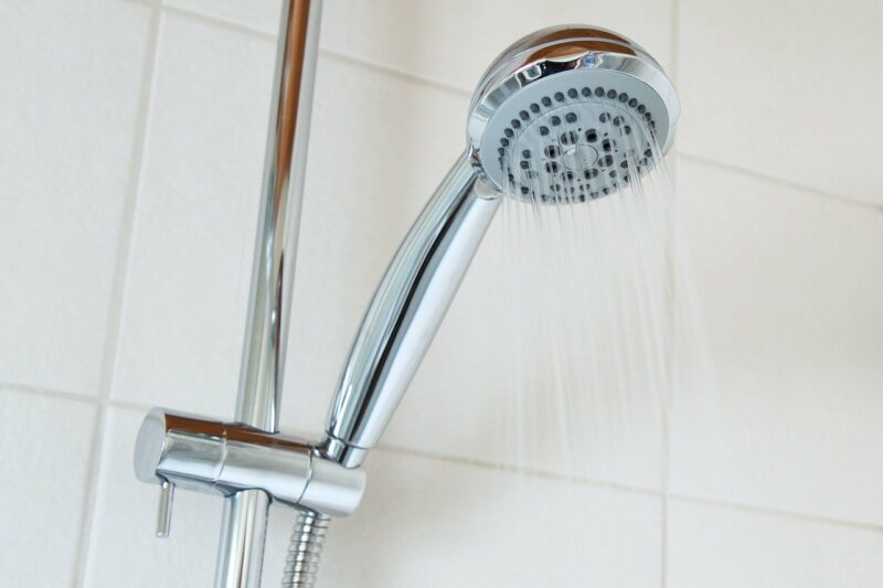 シャワーとカランその意味や語源 蛇口との違いについて