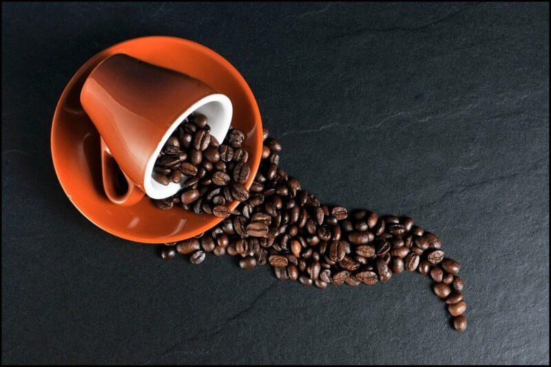 コーヒーの染み抜き方法!カーペットやスーツなどで正しい落とし方は違う?